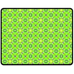 Vibrant Abstract Tropical Lime Foliage Lattice Fleece Blanket (medium)