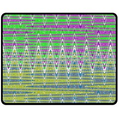 Colorful Zigzag Pattern Fleece Blanket (medium)