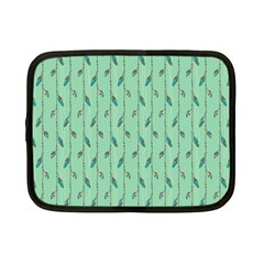 Seamless Lines And Feathers Pattern Netbook Case (Small)