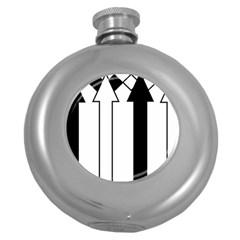 Funny Black and White Stripes Diamonds Arrows Round Hip Flask (5 oz)