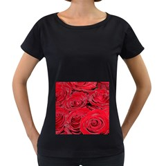 Red Love Roses Women s Loose Fit T Shirt (black)
