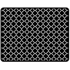 Black White Quatrefoil Classic Pattern Double Sided Fleece Blanket (medium)