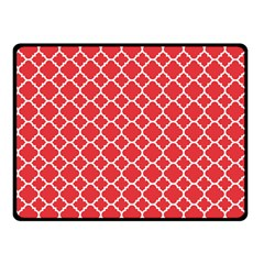 Poppy Red Quatrefoil Pattern Fleece Blanket (small)