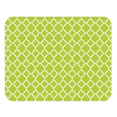 Spring Green Quatrefoil Pattern Double Sided Flano Blanket (large)