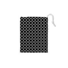 Black & White Quatrefoil Pattern Drawstring Pouch (XS)