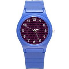 Pink Black Retro Tiki Pattern Round Plastic Sport Watch (S)