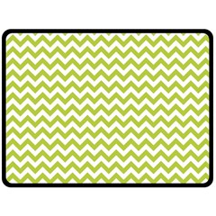 Spring Green & White Zigzag Pattern Fleece Blanket (large)
