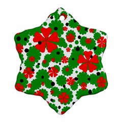 Red and green Christmas design  Snowflake Ornament (2-Side)