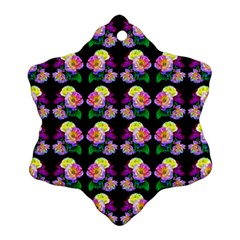 Rosa Yellow Roses Pattern On Black Snowflake Ornament (2-Side)