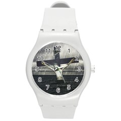 Jesus On The Cross At The Sea Round Plastic Sport Watch (M)