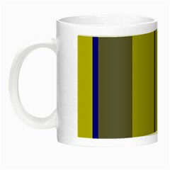 Green elegant lines Night Luminous Mugs