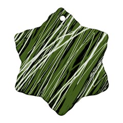 Green decorative pattern Ornament (Snowflake)