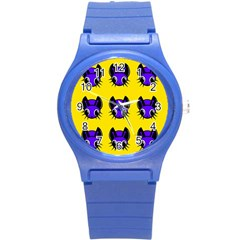 Blue and yellow fireflies Round Plastic Sport Watch (S)