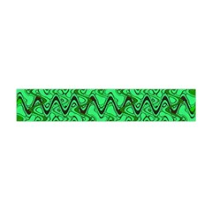 Green Wavy Squiggles Flano Scarf (Mini)