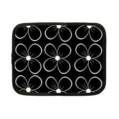 Black and white floral pattern Netbook Case (Small)