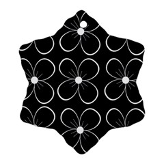 Black and white floral pattern Snowflake Ornament (2-Side)