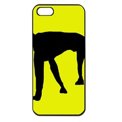 Black dog Apple iPhone 5 Seamless Case (Black)