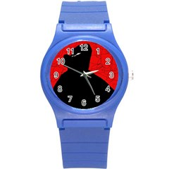 Red and black abstract design Round Plastic Sport Watch (S)