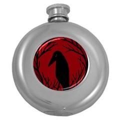 Halloween raven - red Round Hip Flask (5 oz)