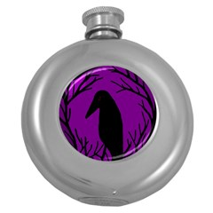 Halloween raven - purple Round Hip Flask (5 oz)