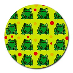 Green frogs Round Mousepads