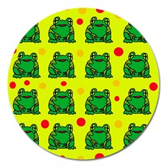 Green frogs Magnet 5  (Round)