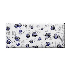 White and deep blue soul Hand Towel