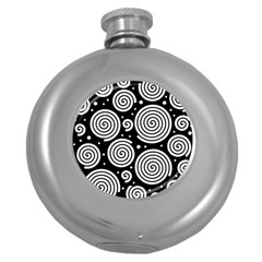 Black and white hypnoses Round Hip Flask (5 oz)