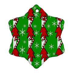 Christmas pattern - green Ornament (Snowflake)