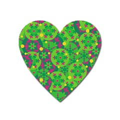 Christmas Decor   Green Heart Magnet