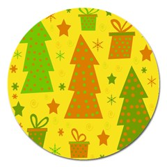 Christmas Design   Yellow Magnet 5  (round)