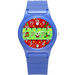 Christmas pattern - green and red Round Plastic Sport Watch (S)