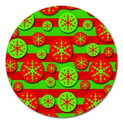 Snowflake red and green pattern Magnet 5  (Round)
