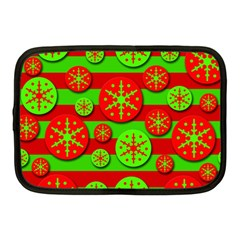Snowflake red and green pattern Netbook Case (Medium)