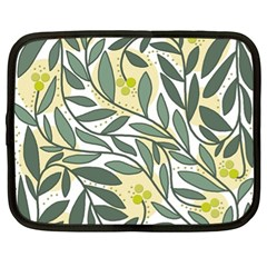 Green floral pattern Netbook Case (XL)
