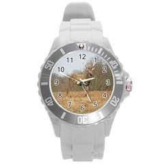 Red Deer Stag on a Hill Round Plastic Sport Watch (L)