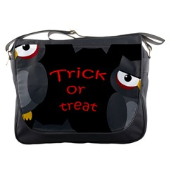 Trick or treat - owls Messenger Bags