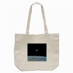 Astronaut Floating Above The Blue Planet Tote Bag (Cream)