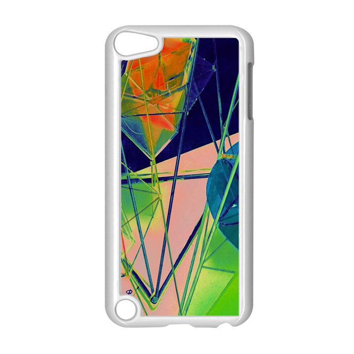 New Form Technology Apple iPod Touch 5 Case (White)