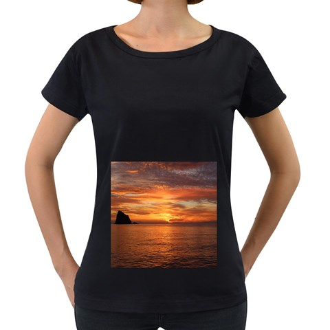 Sunset Sea Afterglow Boot Women s Loose-Fit T-Shirt (Black)