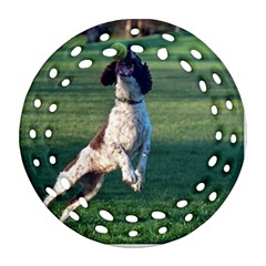 English Springer Catching Ball Round Filigree Ornament (2Side)