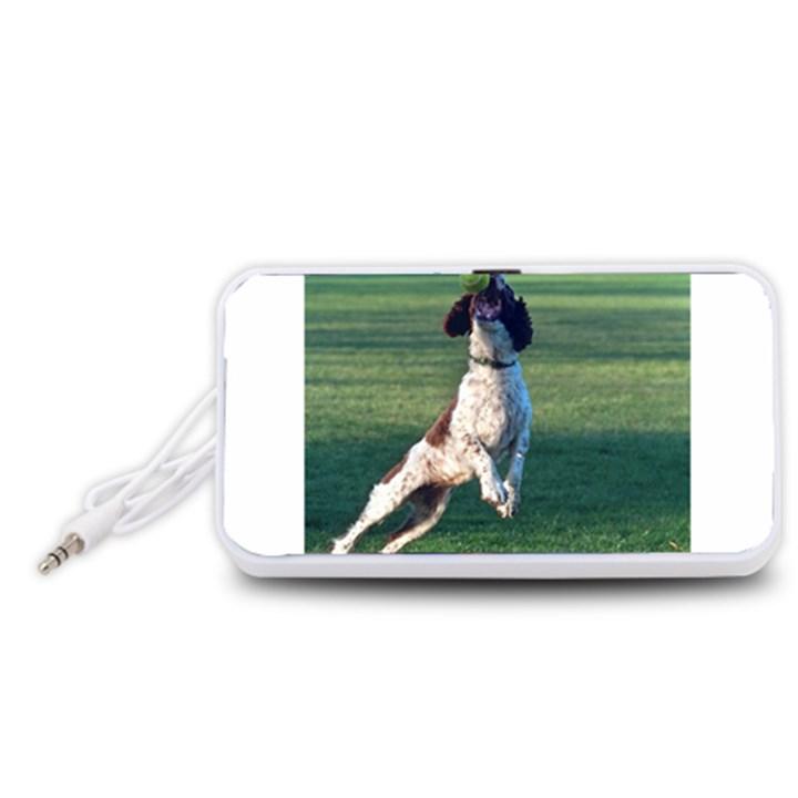 English Springer Catching Ball Portable Speaker (White)