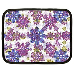 Stylized Floral Ornate Pattern Netbook Case (Large)