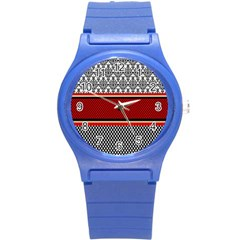 Background Damask Red Black Round Plastic Sport Watch (S)