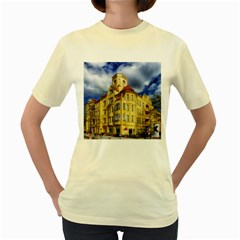 Berlin Friednau Germany Building Women s Yellow T-Shirt