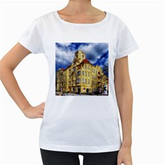 Berlin Friednau Germany Building Women s Loose-Fit T-Shirt (White)