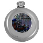 Christmas Boats In Harbor Round Hip Flask (5 oz) Front