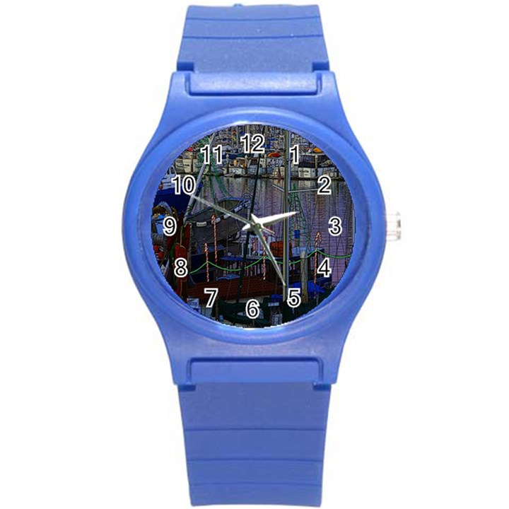 Christmas Boats In Harbor Round Plastic Sport Watch (S)