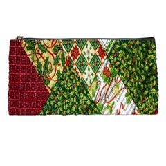 Christmas Quilt Background Pencil Cases
