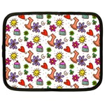 Doodle Pattern Netbook Case (Large) Front